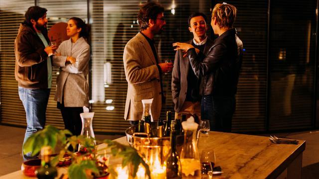 6 consejos para saber cómo comportarse en una cena de empresa