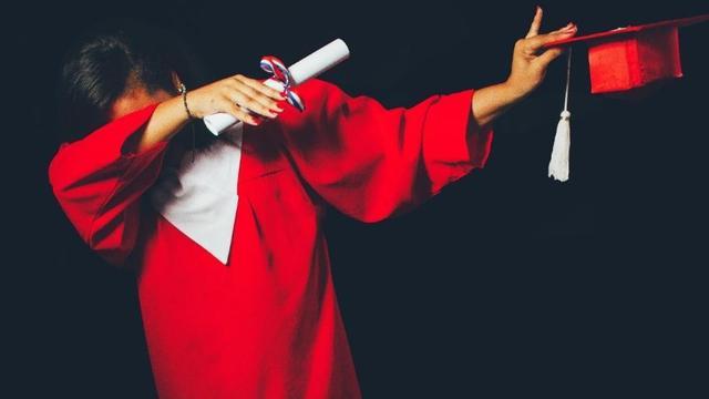 Big graduates girl
